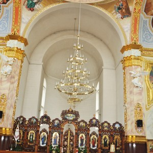 Всередині Храму