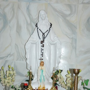 Фігура Матері Божої