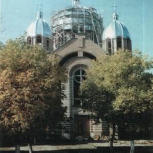 Такий вигляд мав храм у 2001 р. Б.